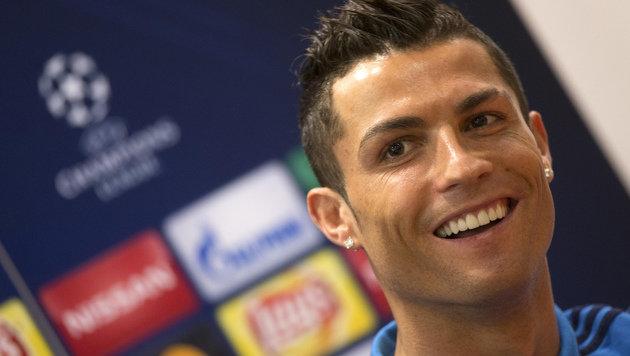 So leicht verdient Ronaldo eine Million Euro (Bild: AP)