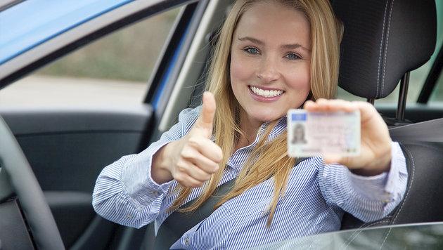 1800 neue Fragen warten auf Führerschein-Prüflinge (Bild: thinkstockphotos.de)