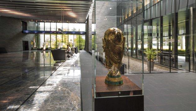 Der heilige Gral - der WM-Pokal, der nur von Spielern und Staatsoberhäuptern berührt werden darf (Bild: Zuerich Tourism / Gaetan Bally)