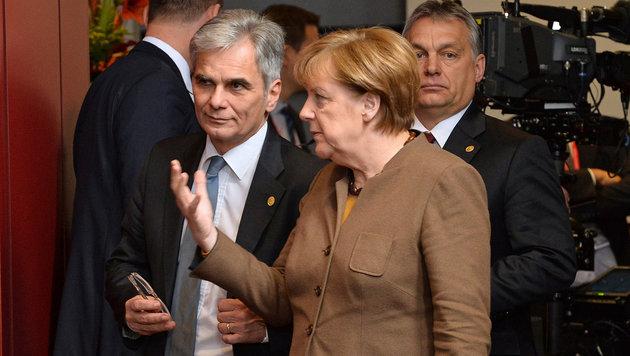 Faymann und Merkel beim EU-Gipfel (Bild: APA/BKA/BKA/KERSTIN JOENSSON)