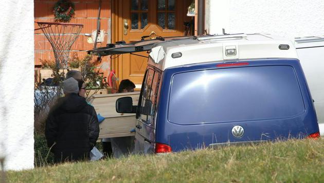 58-Jähriger ersticht Ehefrau und tötet sich selbst (Bild: APA/MATTHIAS LAUBER)