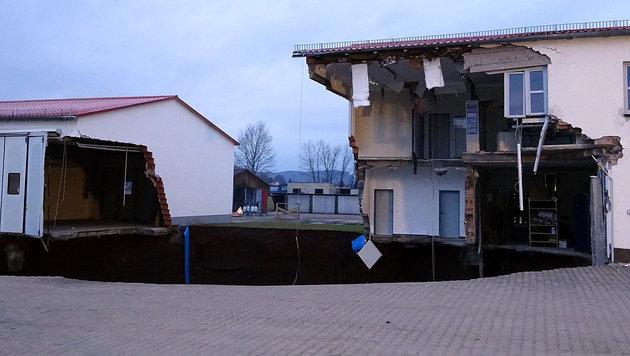Gebäudeteile sind wortwörtlich vom Erdboden verschluckt worden. (Bild: APA/Landkreis Nordhausen/Jessica Piper)
