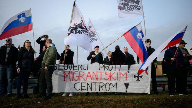 Tausende Slowenen gegen Fl�chtlingsunterkunft (Bild: AFP or licensors)