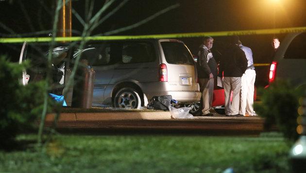 Spurensicherung vor einem Restaurant in Kalamazoo County (Bild: ASSOCIATED PRESS)