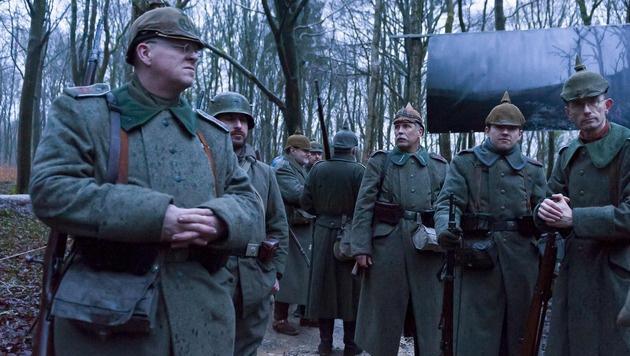 """Freiwillige erinnern an die """"Hölle von Verdun"""". (Bild: AFP or licensors)"""