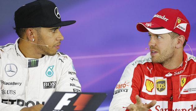 Hamilton und Vettel liefern sich erstes Duell (Bild: APA/ERWIN SCHERIAU)