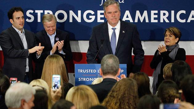 Jeb steigt aus: Das Blitz-Ende der Bush-Dynastie (Bild: AP)