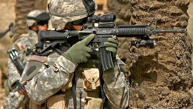 Massive US-Munitionstransporte nach Europa (Bild: CPL BRIAN M HENNER/AFP/picturedesk.com)