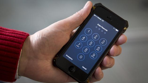 """Auch iPhone von Dealer ohne Apple-Hilfe """"geknackt"""" (Bild: AP)"""