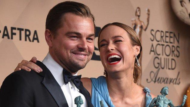 Brie Larson und Leo DiCaprio bei den SAG-Awards (Bild: AFP)