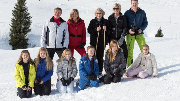 Die holländische Königsfamilie auf Skiurlaub in Lech am Arlberg (Bild: APA/DIETMAR STIPLOVSEK)