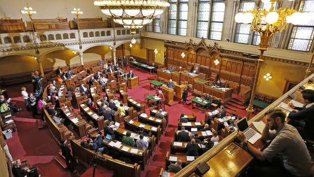 Das Thema Mindestsicherung dominiert derzeit den Gemeinderat. (Bild: Zwefo)