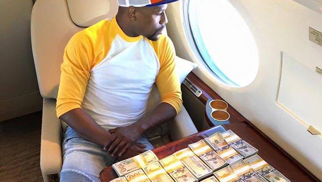 Box-Weltmeister Floyd Mayweather prahlt einmal mehr mit seinem Reichtum. (Bild: facebook.com)
