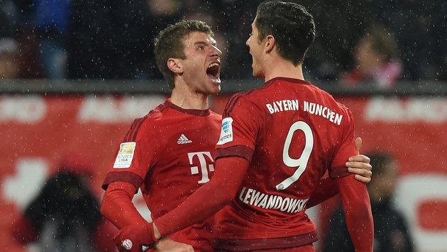 Thomas Müller (links) und Robert Lewandowski (Bild: APA/AFP/CHRISTOF STACHE)