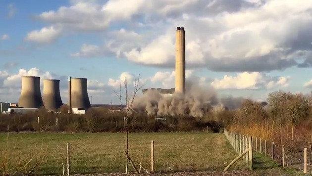 GB: Tote bei Einsturz in stillgelegtem Kraftwerk (Bild: Twitter/Blaine Morris-Smith)