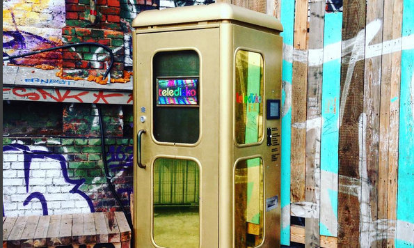 Telefonzelle feiert als Mini-Disco Comeback (Bild: Teledisko)