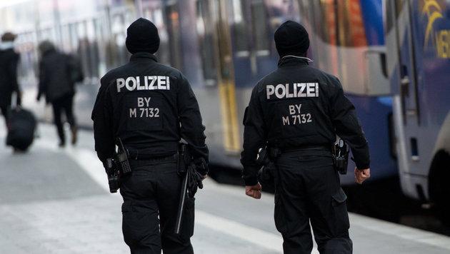 Asylwerber attackiert Polizisten - und bleibt frei (Bild: APA/dpa/Sven Hoppe)