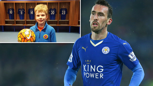Leicester tröstet Jungen nach tragischem Schicksal (Bild: GEPA, twitter.com)
