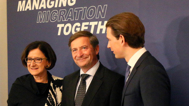 Österreich schmiedet Pakt gegen Flüchtlingsströme (Bild: AP)