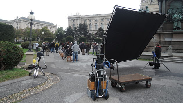 "Die Bollywood-Produktion ""Ae Dil Hai Mushkil"" zu Gast am Maria-Theresien-Platz (Bild: VIENNA FILM COMMISSION)"