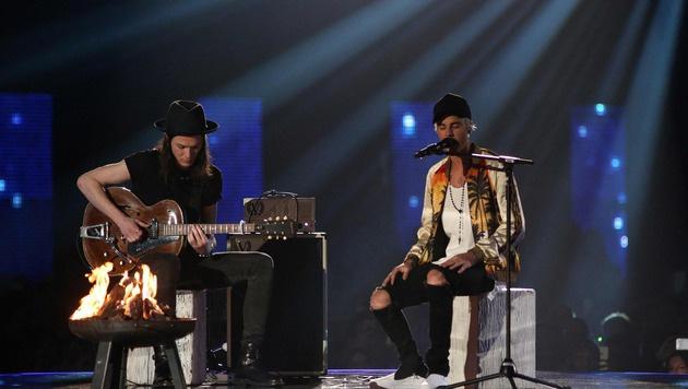 James Bay und Justin Bieber (Bild: APA/AFP/JUSTIN TALLIS)