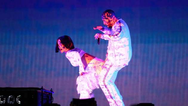 Richtig heiß ging es bei den beiden auf der Bühne zu. (Bild: APA/AFP/JUSTIN TALLIS)