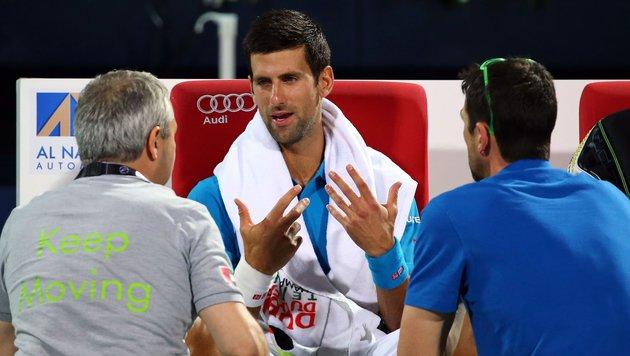 Djokovic gibt in Dubai gegen Lopez auf (Bild: APA/AFP/MARWAN NAAMANI)