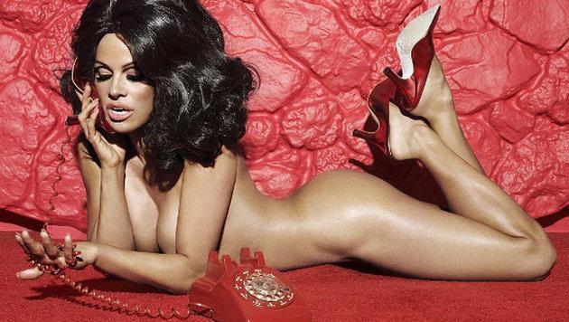 Pamela Anderson strippt für vegane Schuhe (Bild: instagram.com/papermagazine)