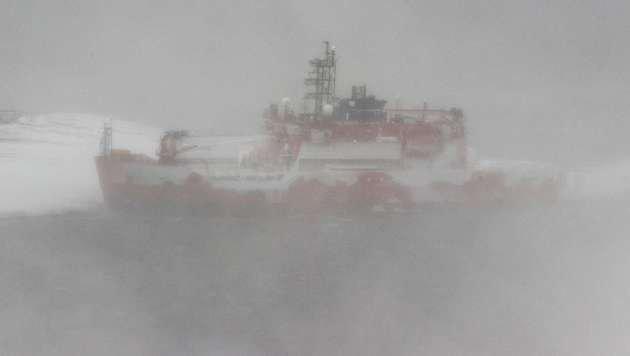 """Die """"Aurora Australis"""" steckt im Packeis fest. (Bild: APA/AFP/Australian Antarctic Division)"""