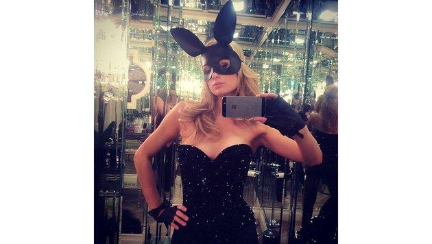 Paris Hilton im Bunnykostüm (Bild: Viennareport)