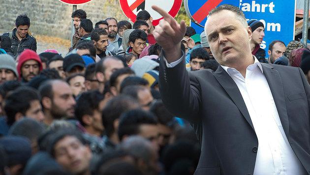 """EU-Kommission versagt in Flüchtlingskrise"" (Bild: APA/dpa/Sebastian Kahnert, APA/Erwin Scheriau)"