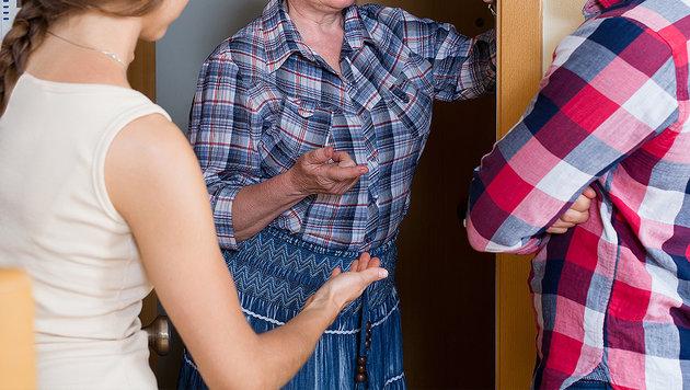Frau (71) hetzt Nachbarn die Polizei auf den Hals (Bild: thinkstockphotos.de)