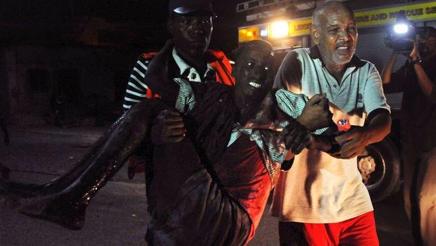 Somalia: Mindestens 20 Tote bei Anschlag auf Hotel (Bild: APA/AFP/Mohamed Abdiwahab)