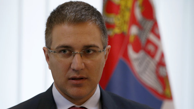 Serbiens Innenminister Nebojsa Stefanovic (Bild: ASSOCIATED PRESS)
