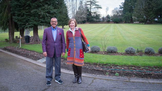 Khalaf Ahmed Al Habtoor mit Conny Bischofberger (Bild: Chan Mya Soe)