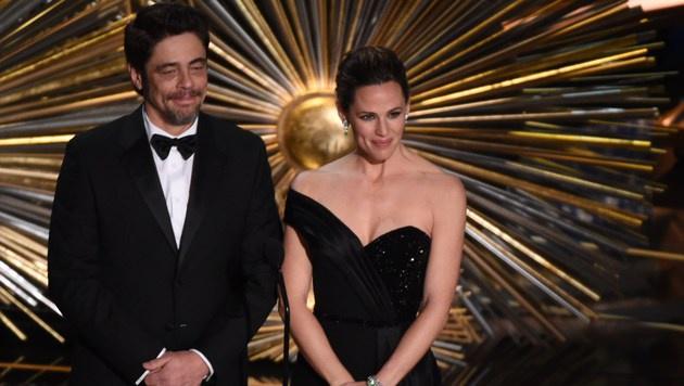 Benicio del Toro und Jennifer Garner (Bild: APA/AFP/MARK RALSTON)