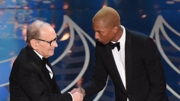 Ennio Morricone gewinnt den Oscar für die beste Filmmusik. (Bild: APA/AFP/MARK RALSTON)