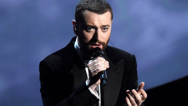 Sam Smith performt seinen Bond-Song. (Bild: APA/AFP/GETTY IMAGES/KEVIN WINTER)