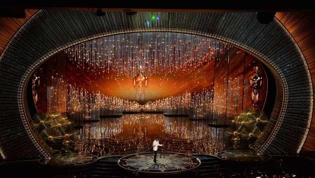 Die Oscarbühne im Kodak Theatre (Bild: APA/AFP/MARK RALSTON)