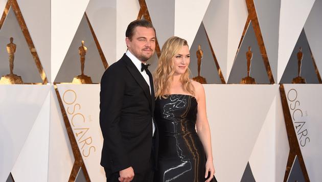 Leonardo DiCaprio mit Kate Winslet (Bild: Jordan Strauss/Invision/AP)