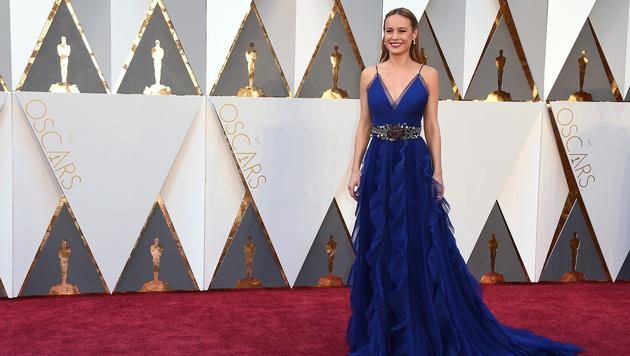 Brie Larson bezauberte in einer nachtblauen Robe von Gucci. (Bild: Jordan Strauss/Invision/AP)
