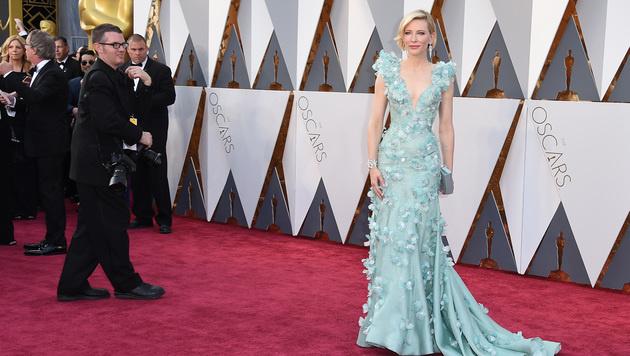 Cate Blanchett in einer mintgrünen Robe von Armani Privé (Bild: Jordan Strauss/Invision/AP)