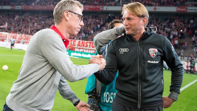 Peter St�ger und sein �sterreichischer Trainer-Kollege Ralph Hasenh�ttl (Bild: APA/dpa/Marius Becker)