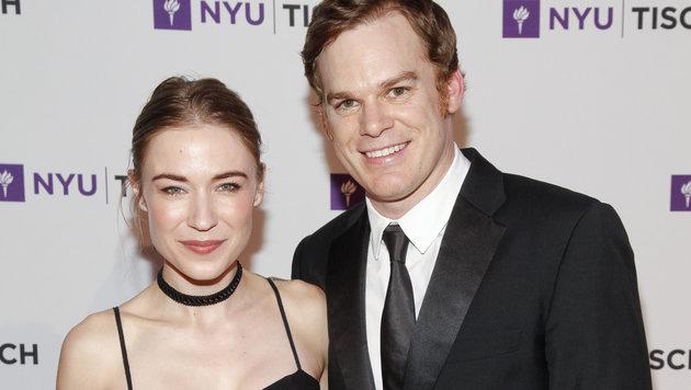 Michael C. Hall mit Ehefrau Morgan Macgregor (Bild: Andy Kropa /Invision/AP)