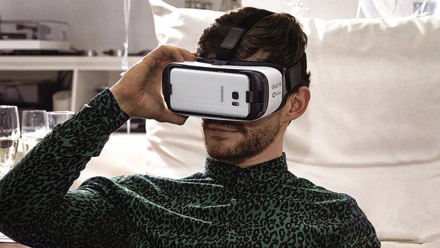 Mobilfunker Drei startet Virtual-Reality-Angebot (Bild: Samsung)
