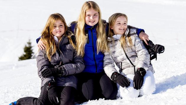Prinzessin Alexia (10) mit Kronprinzessin Amalie (12) und Prinzessin Ariane (8) in Lech am Arlberg (Bild: ANP/koninklijkhuis.nl)
