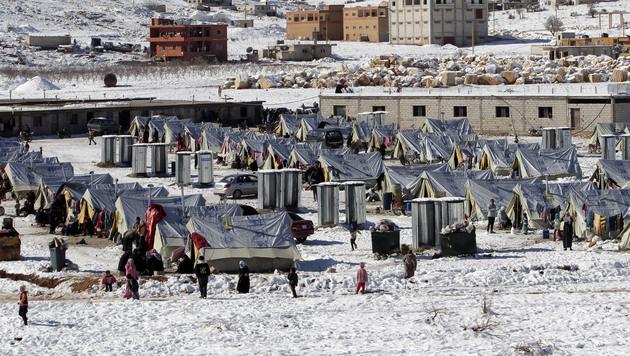 Flüchtlingscamp in der libanesischen Grenzstadt Arsal (Bild: AP)
