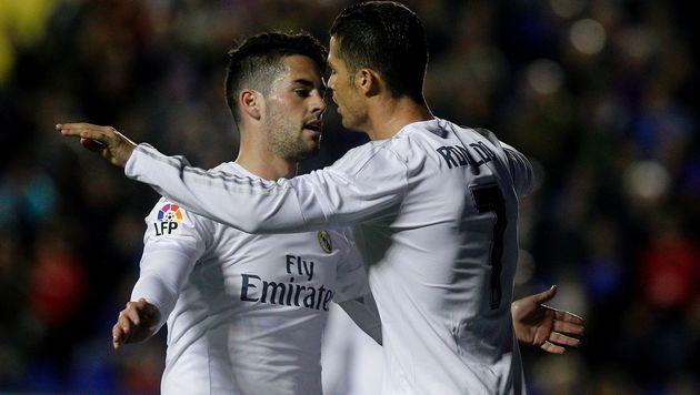 Real bleibt Atletico auf den Fersen (Bild: APA/AFP/JOSE JORDAN)