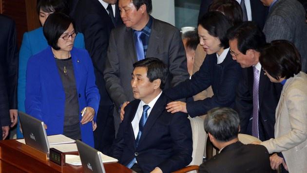 Das Ende des Redemarathons in Südkoreas Parlament (Bild: APA/AFP/YONHAP)