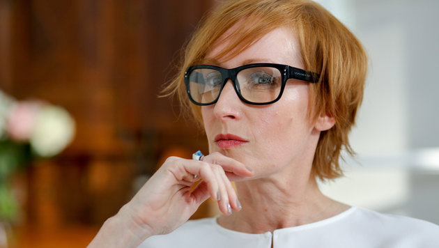 Nicole Beutler spielt die Sexualtherapeutin Angela Bragana. (Bild: ORF)
